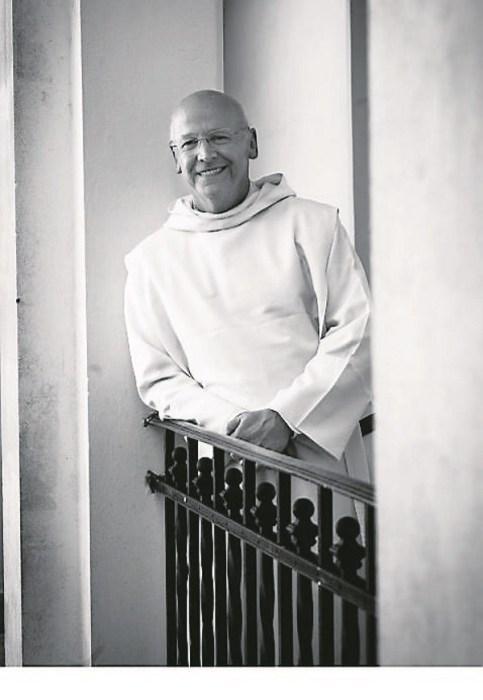 Fr. Laurence balcón