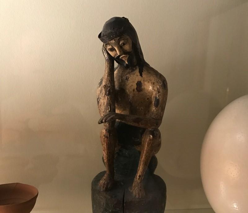 Jesús medita figura