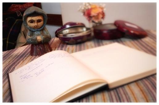 monje y libro